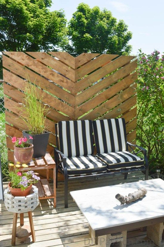 How To Build A Simple Chevron Outdoor Privacy Wall Privacy Screen Outdoor Patio Makeover Outdoor Privacy