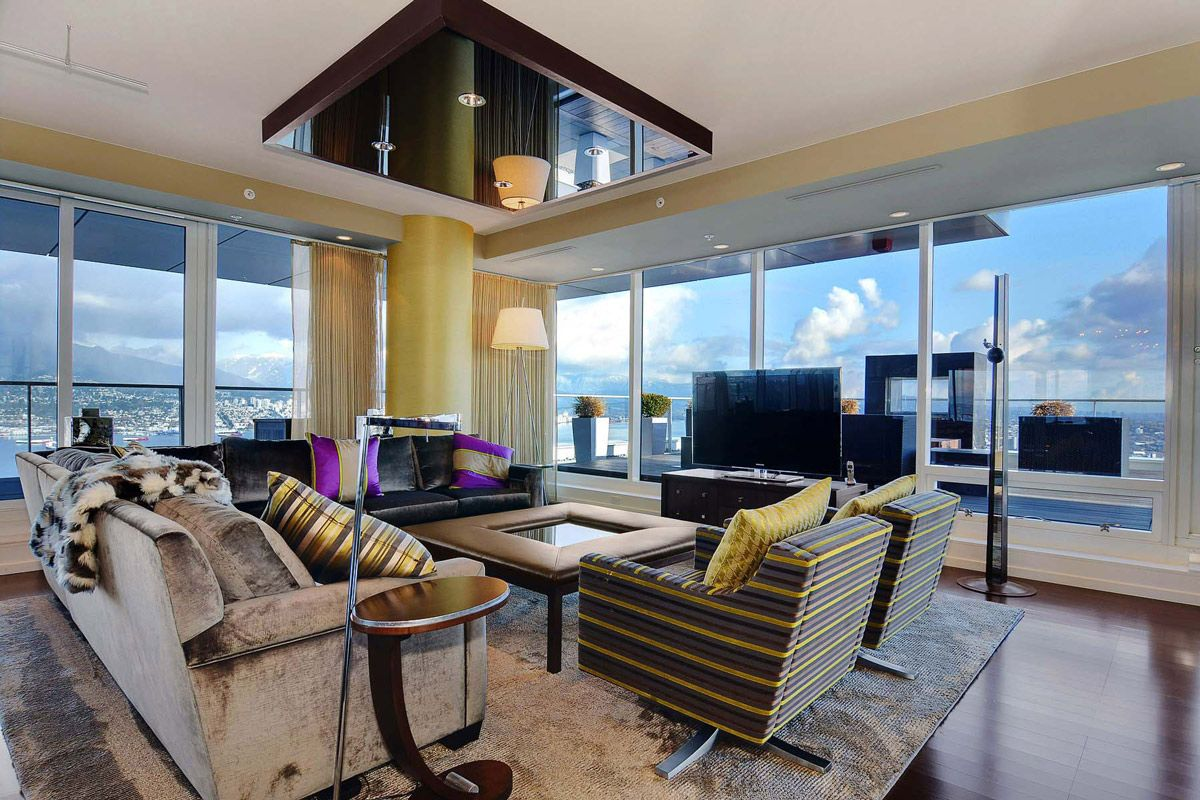 rug wood flooring living space beautiful apartment with amazing rh pinterest com
