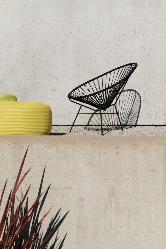 la maison tir e dans le rh ne par barr s coquet architectes terrasse pinterest maison. Black Bedroom Furniture Sets. Home Design Ideas