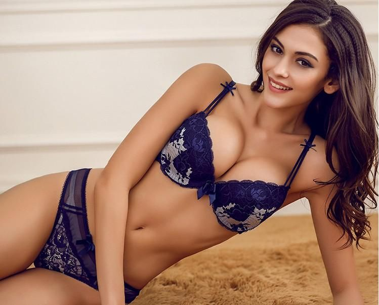 11 of the gorgeous Lingerie sets which will make your Valentine loveful.  These are awesome in their shape and you should take these for your love. 2e154f508