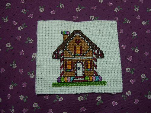 gingerbread house, casita de gengibre, cross stitch, punto de cruz