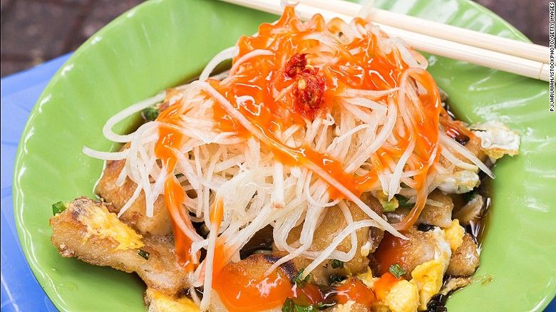 Street Food In Vietnam Your Top 10 Dishes Vietnamese Dishes Buffet Food Wedding Buffet Food