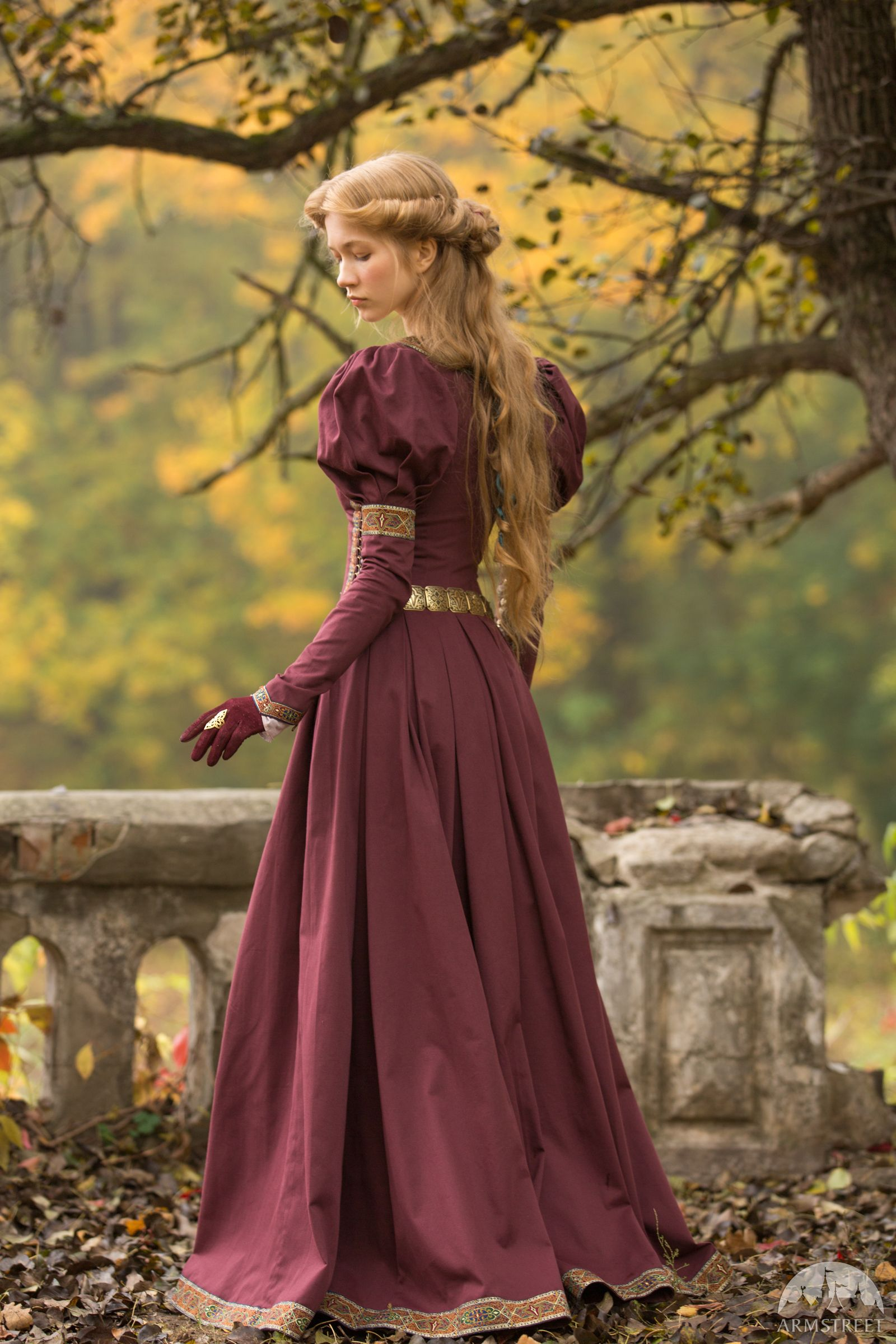 "Mittelalter Kleid ""Prinzessin im Exil"" in 2020 ..."