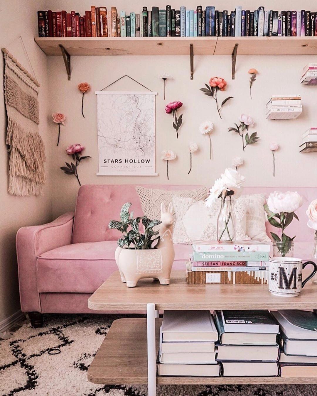 Chic Living Roomideas:  Living Room Inspo @astoldbymichelle #flowerwall