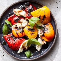 Roasted Bell Pepper Salad with Mozzarella & Basil #bellpepperrecipes