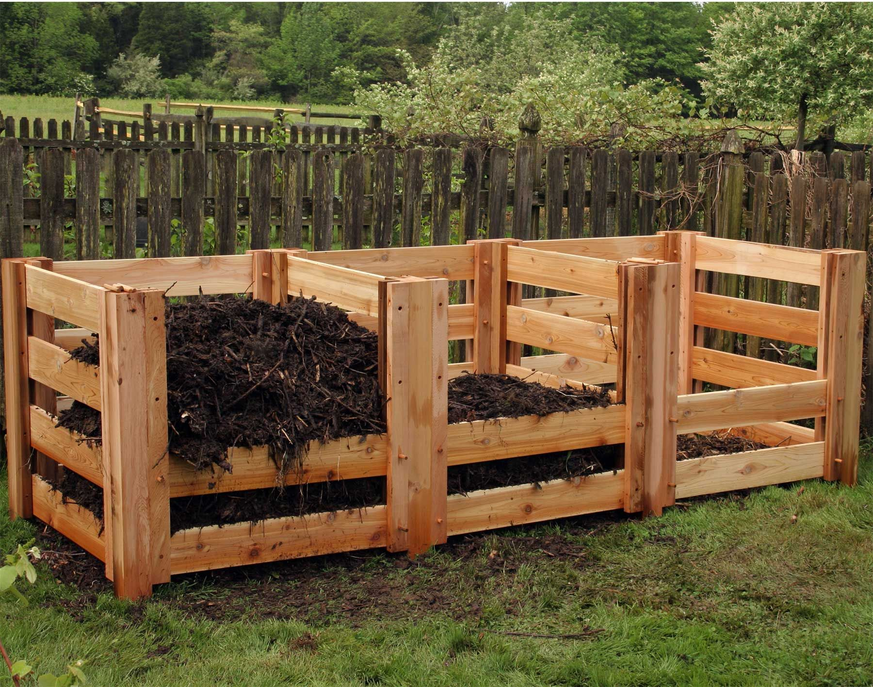 Renoirs red cedar 3 compartment compost bin garden ideas for Diy dustbin ideas