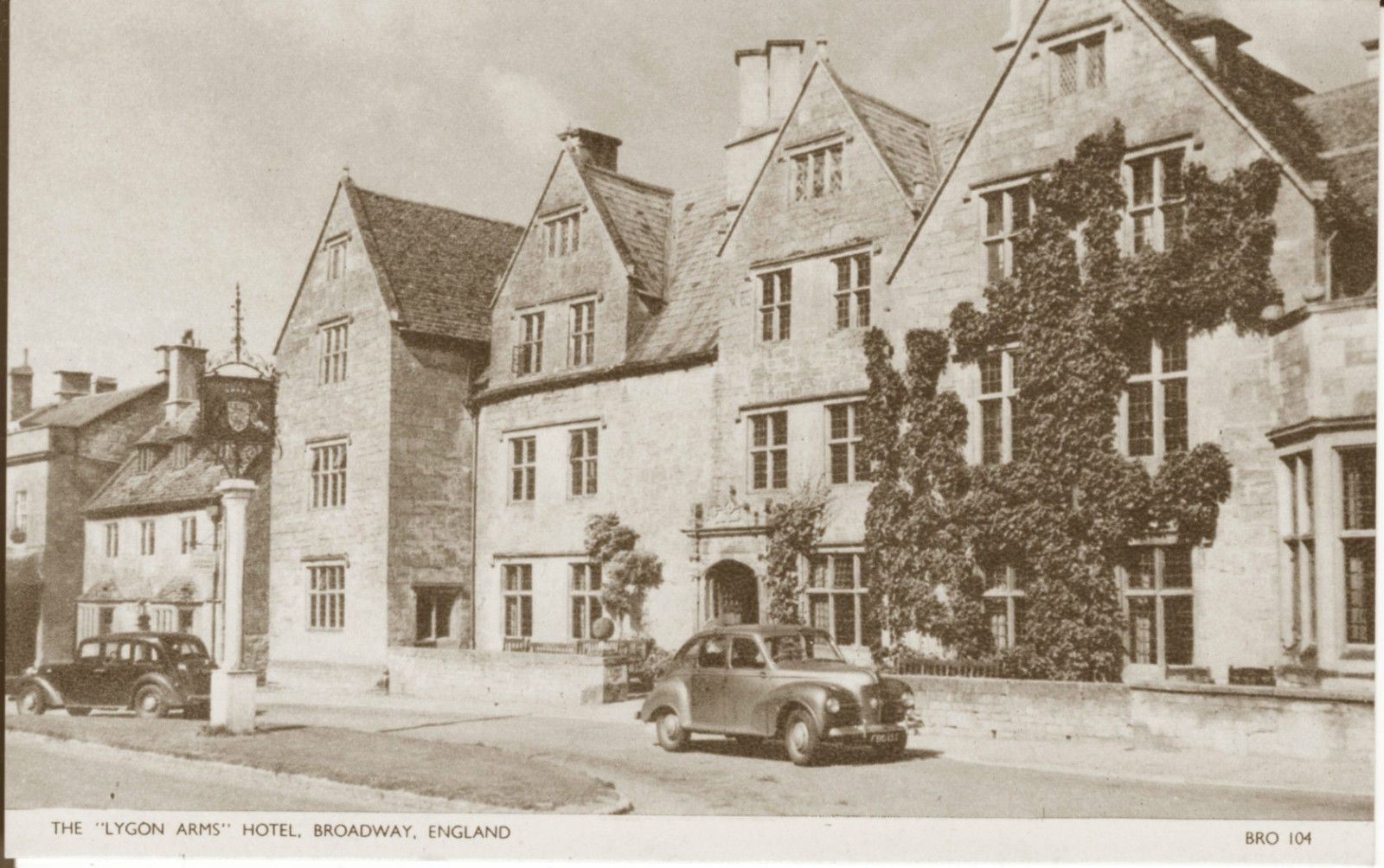 Postcard The Lygon Arms Hotel Broadway Worcestershire 1950 S Ebay