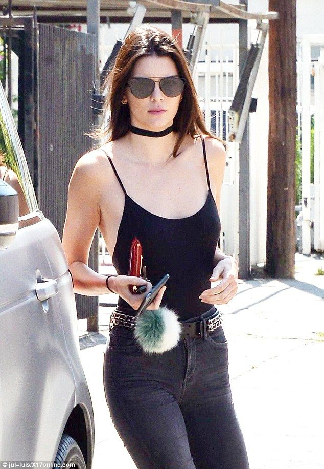 Easy going: Kendall was spotted jumping into her Range Rover while keeping comfortable in ...