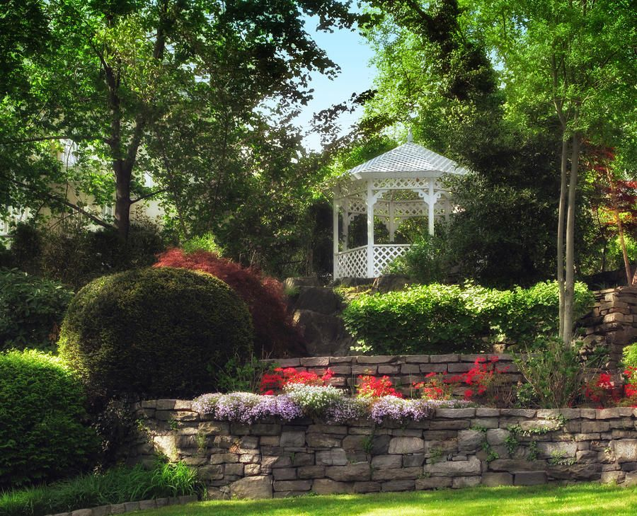 17 Best 1000 images about Gazebo Gardens on Pinterest Gardens In the