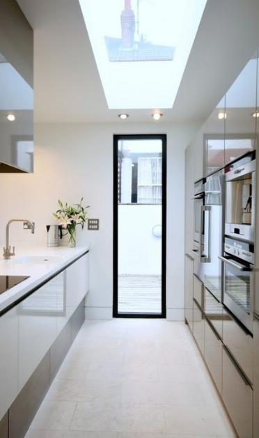 20 Elegant And Futuristic White Kitchen Decoration Ideas With
