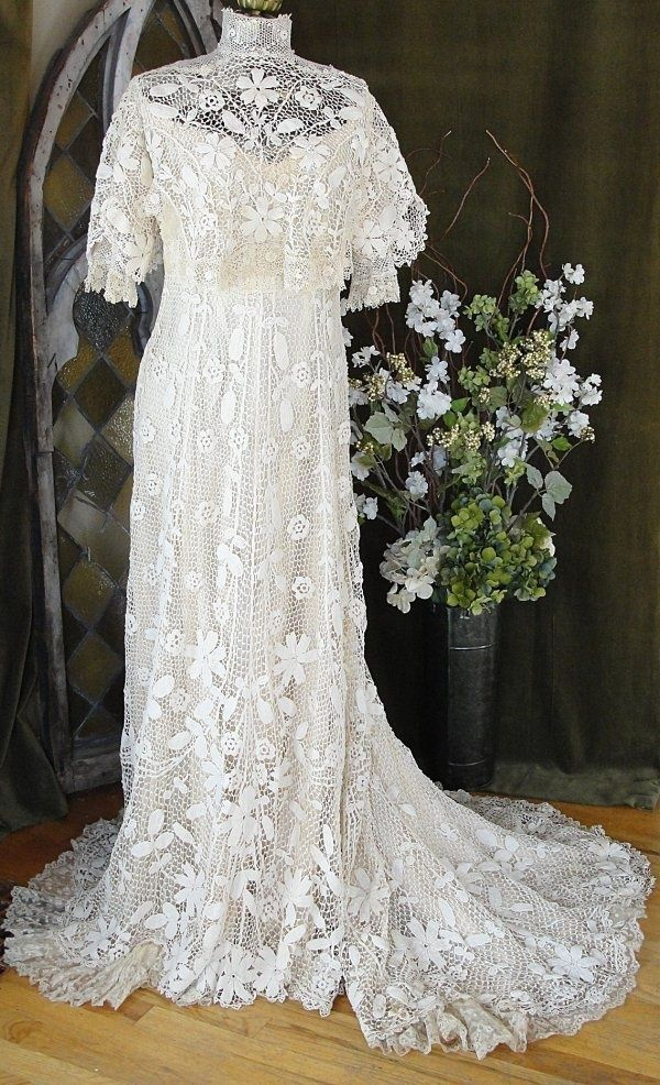 Beautiful lacey | Vintage | Pinterest | Vintage, Gowns and Vintage ...