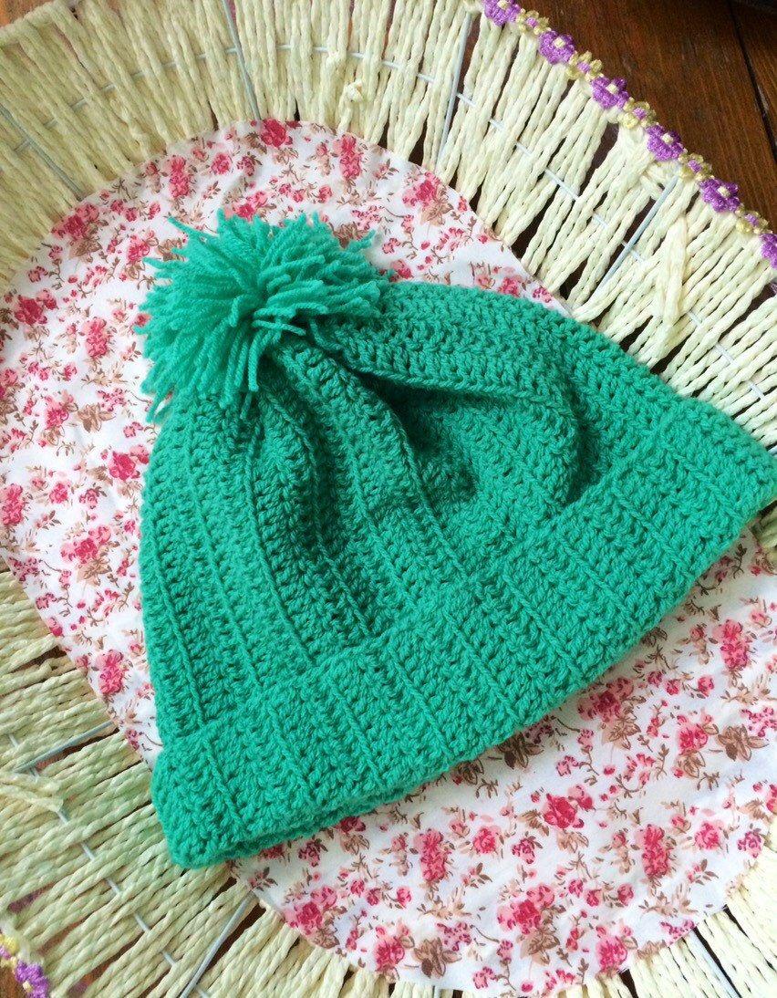 Light green hat by Velvetrosi on Etsy