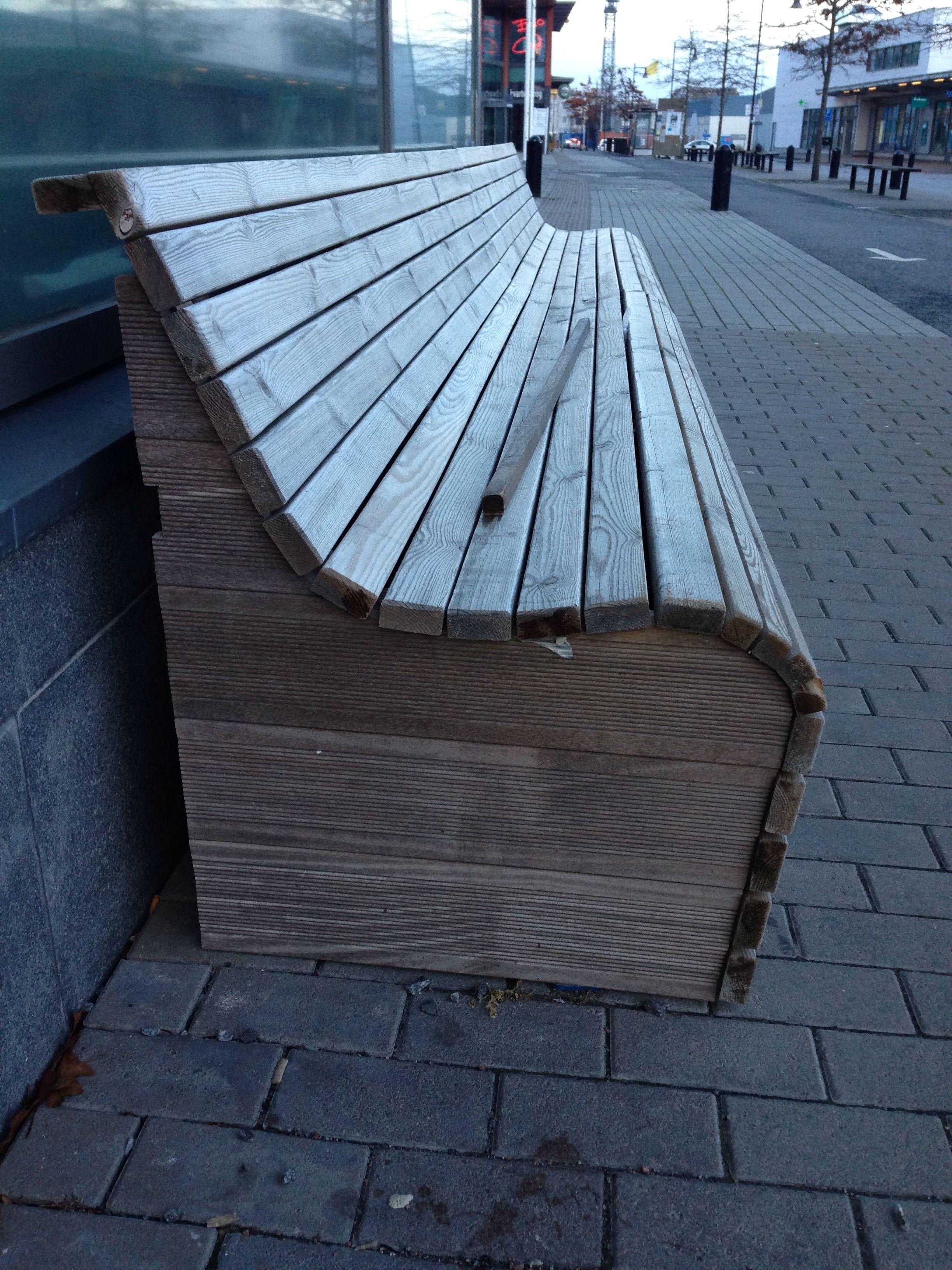 Me gusta la forma para hacerlo con una persiana de madera for Sillones de madera reciclada