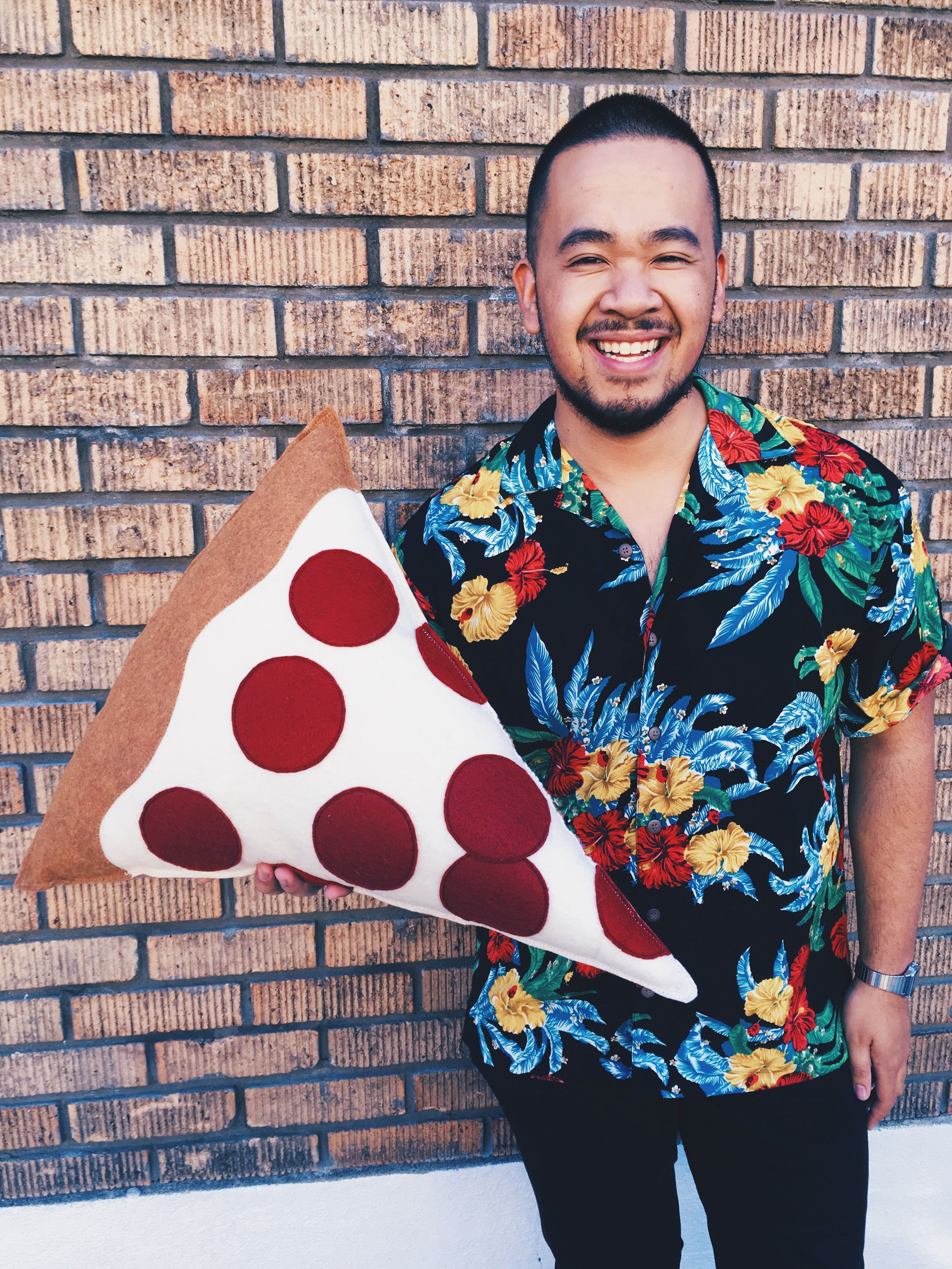 You want *a pizza* this #EmployeeStyle? 🍕 #BuffaloExchange