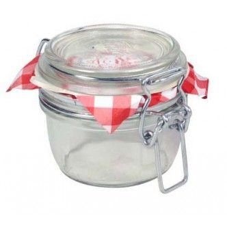 Barattolo ermetico in vetro adatto a ìnche a confezioni regalo, dotato di tappo meccanico e di guarnizione. Da 125 ml.