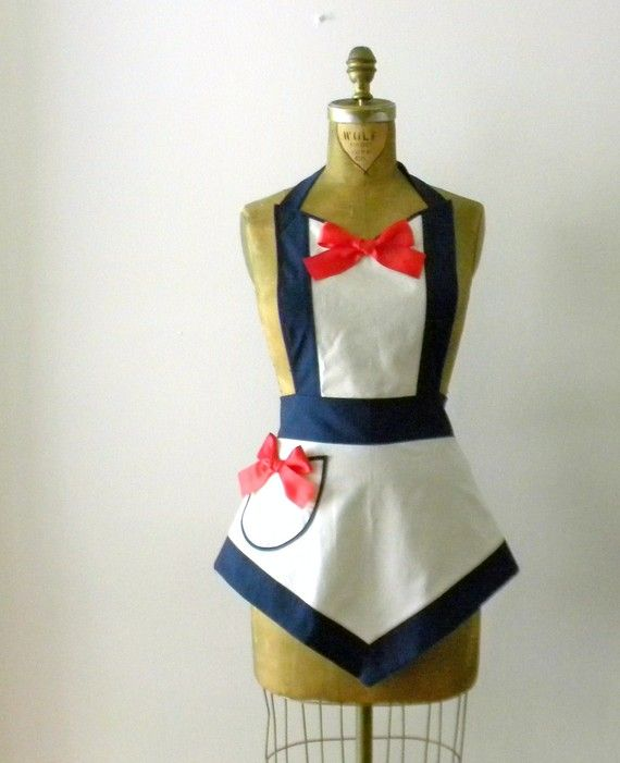 I am obssessed with all things NAUTICAL, so this apron is right up my alley...