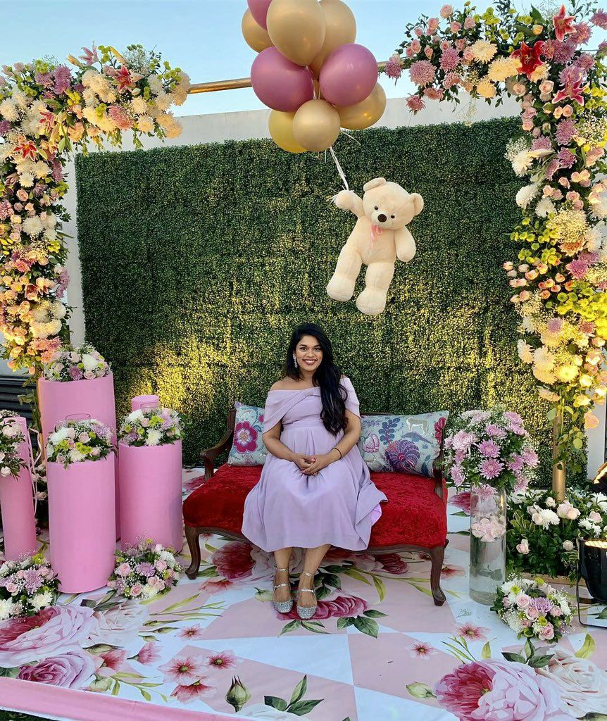 Chiranjeevi Daughter Sreeja Baby Shower Party Photos With The Mega Family And Allu Family3 Indian Baby Shower Decorations Indian Baby Showers Baby Shower Deco
