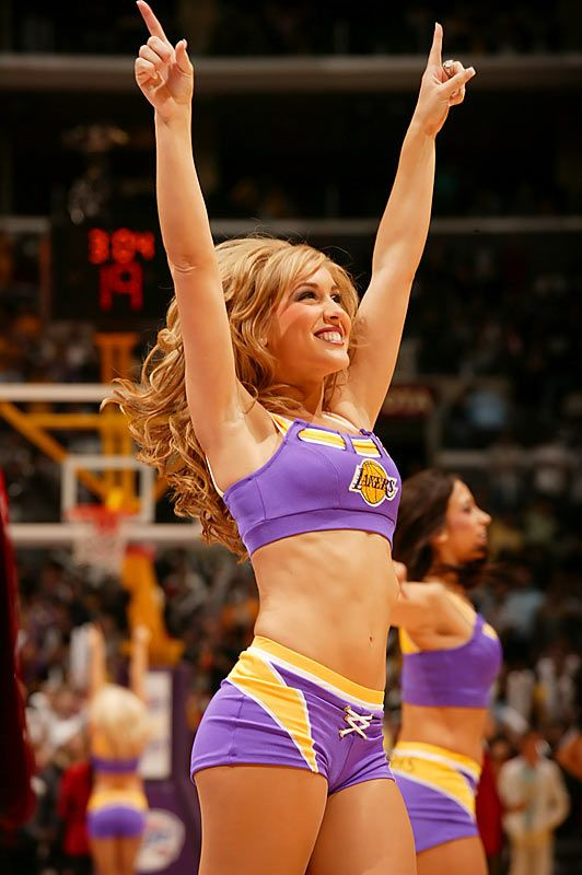 Do nba players hook up with cheerleaders