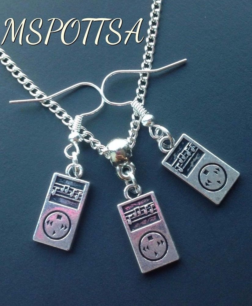 MP3 Player Necklace and Earrings Set Music Notes Charms Pendants Cosplay iPod