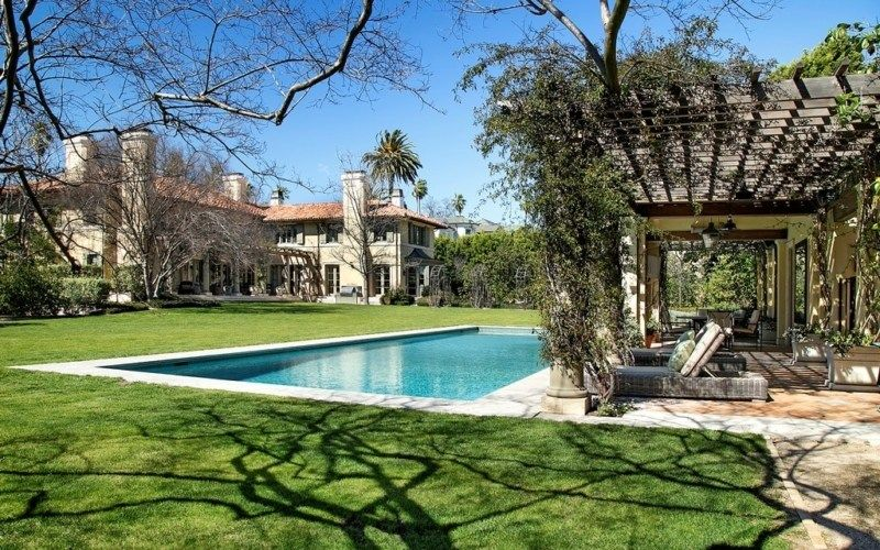 Comedian Jim Belushi S Otherworldly Brentwood Estate Comes To Market For 38 5m American Luxury Celebrity Houses Brentwood Luxury Real Estate