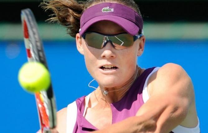 Top Seed Samantha Stosur Progresses But Second Seed Madison Keys Falls In Osaka Soccer Tennis Tennis Players Samantha