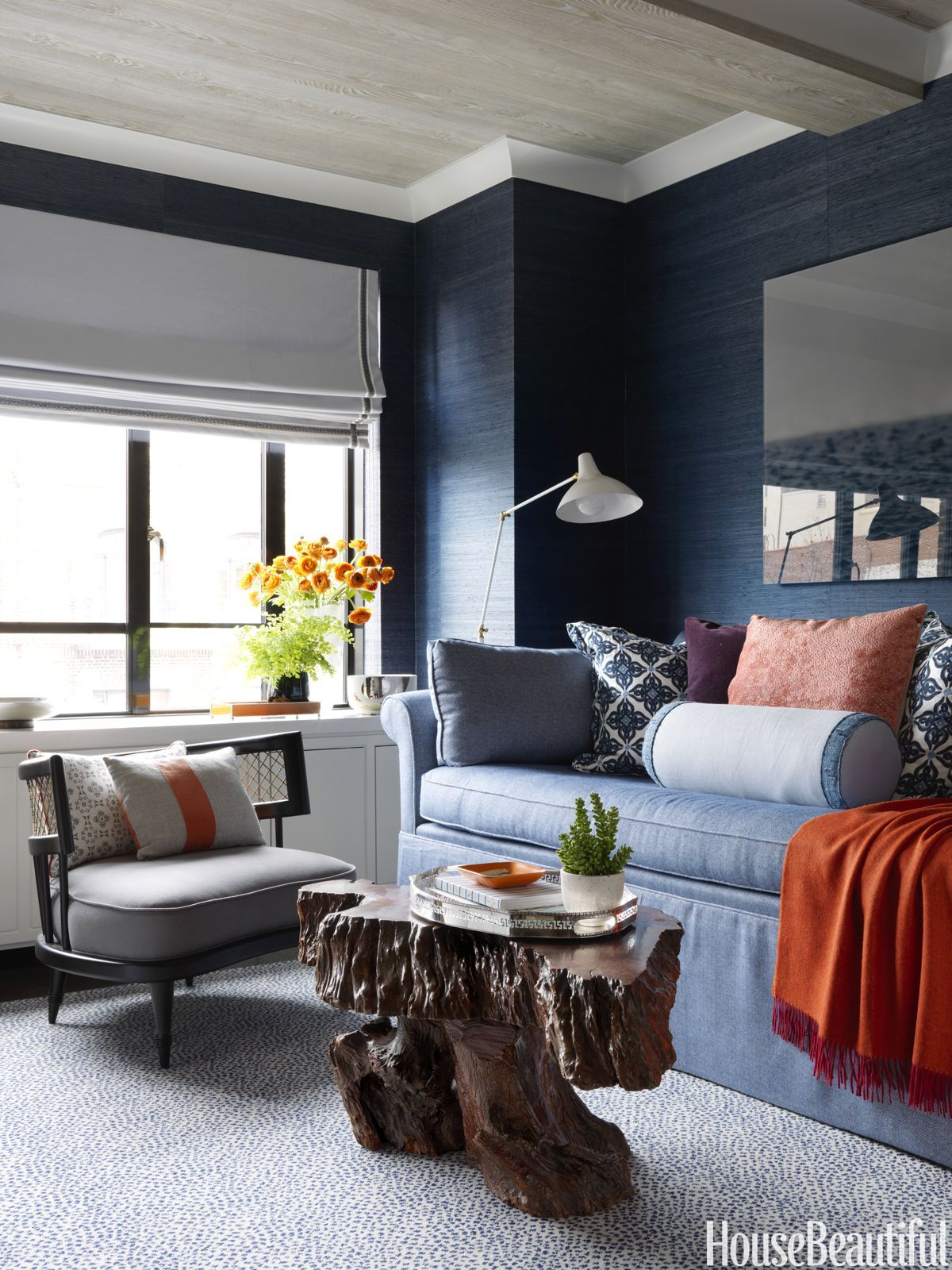 Dream Living Room Designs: Inside A New York Style Blogger's Dream First Apartment