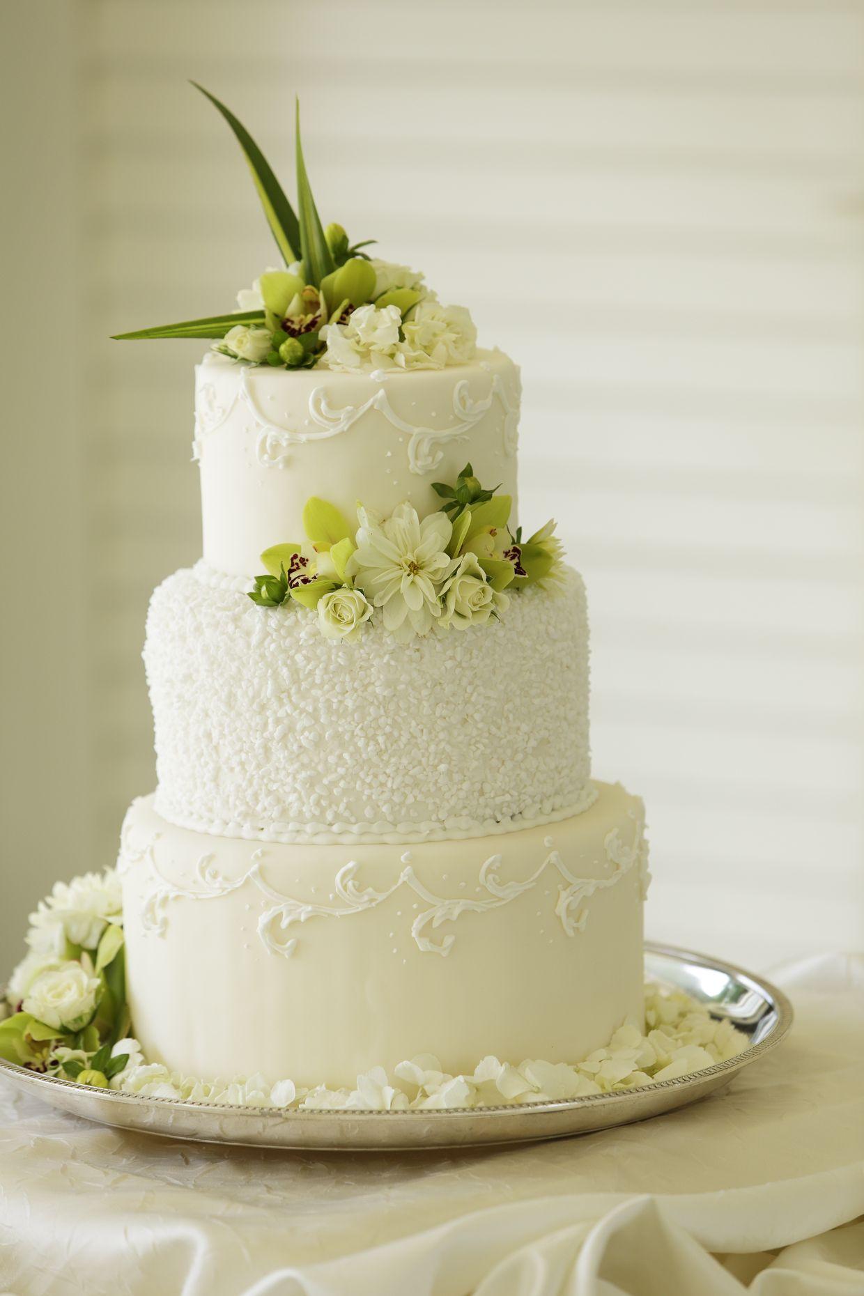 The Kahala Hotel Resort Wedding Cake Toppers Wedding Cakes