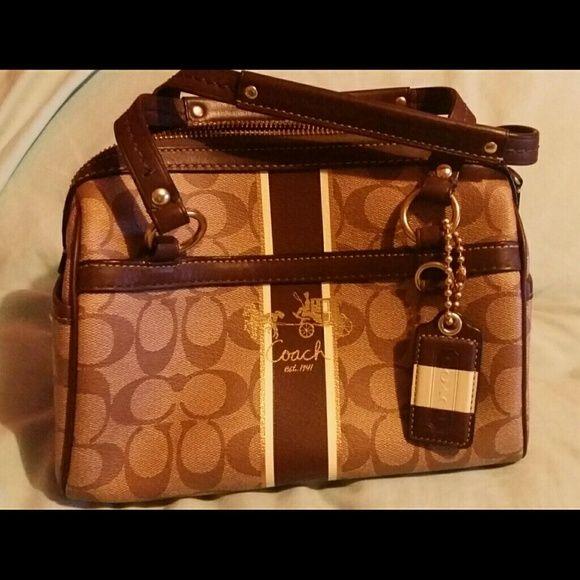 ff6a1d1acd Coach handbag Authentic Coach small satchel style handbag
