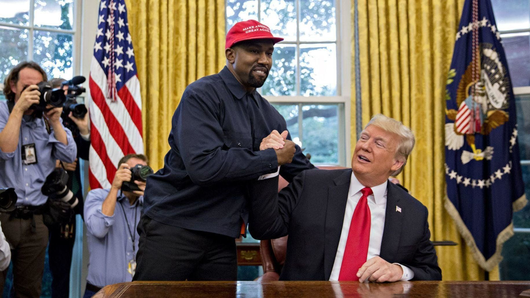 Kanye West S 2018 White House Visit Image Gallery List View With Images Kanye West Trump Supporters Kanye