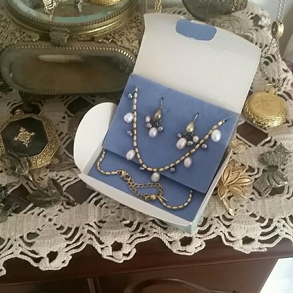 Tri color fresh water pearl set Avon Avon Jewelry Necklaces