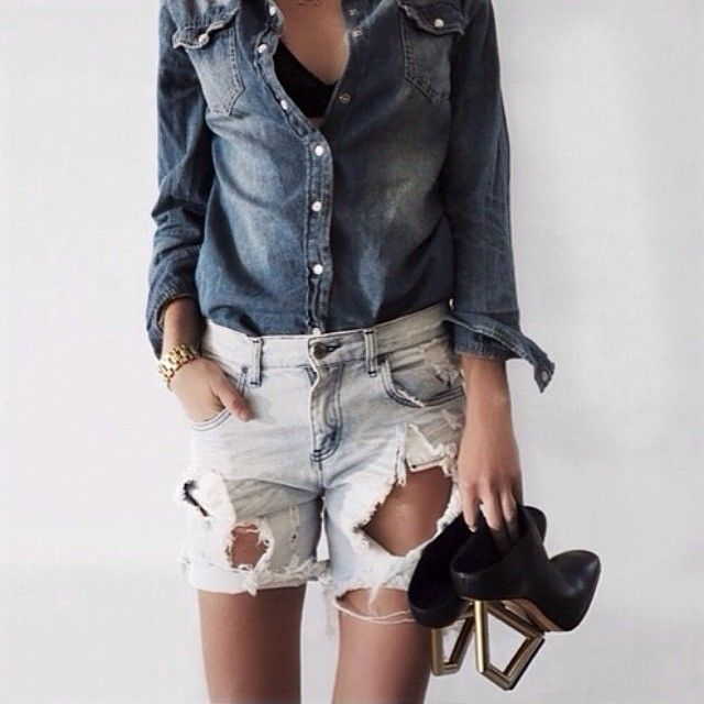 Via @oraclefoxblog   #inspiration #denim #fashion #style #denimondenim #fashionblog #fashionblogger #fashionblogger_de #blog #blogger #instacool #instagood #instafashion #instadaily #mode