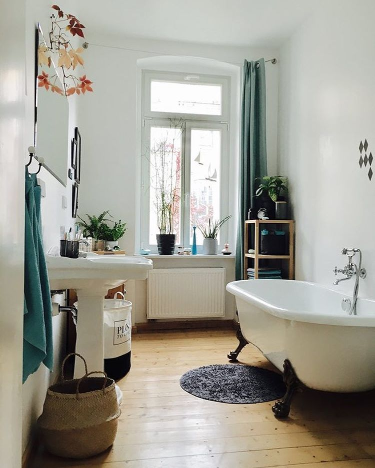 Guest bathrooms dream rooms bathroom ideas city style romantic powder house interiors also pin by titi siino on bagno new pinterest instagram rh