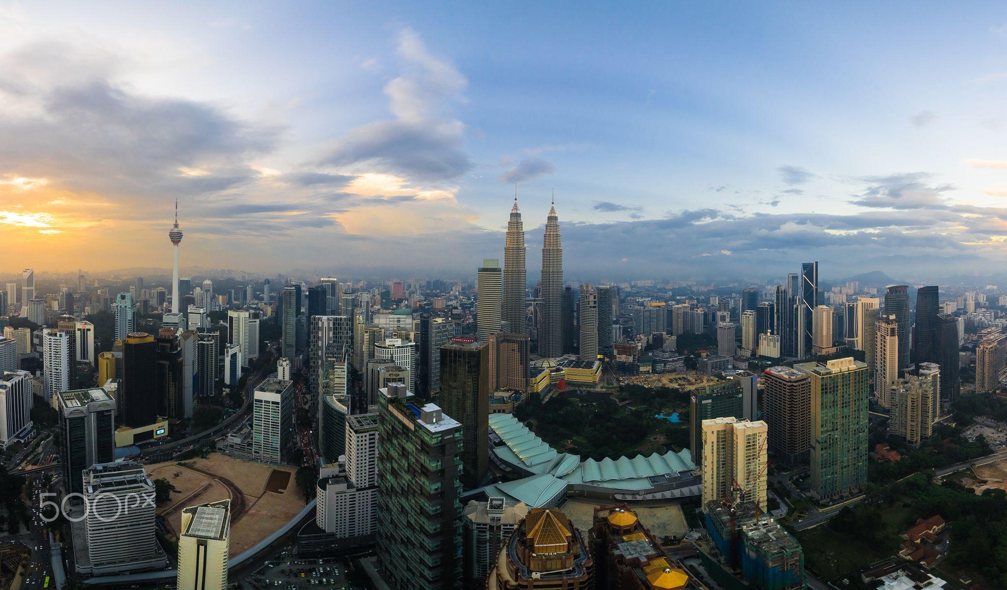 A Panorama Of A Golden City A Panorama Of Kuala Lumpur City Skyline During Sunset Golden City Kuala Lumpur City Panorama
