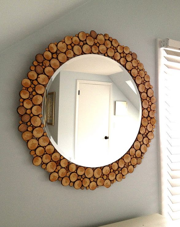 spiegel mit holzrahmen aus holzscheiben f r wandgestaltung. Black Bedroom Furniture Sets. Home Design Ideas