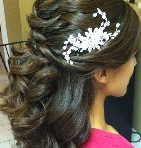 I like this hairstyle just not the hair piece in it