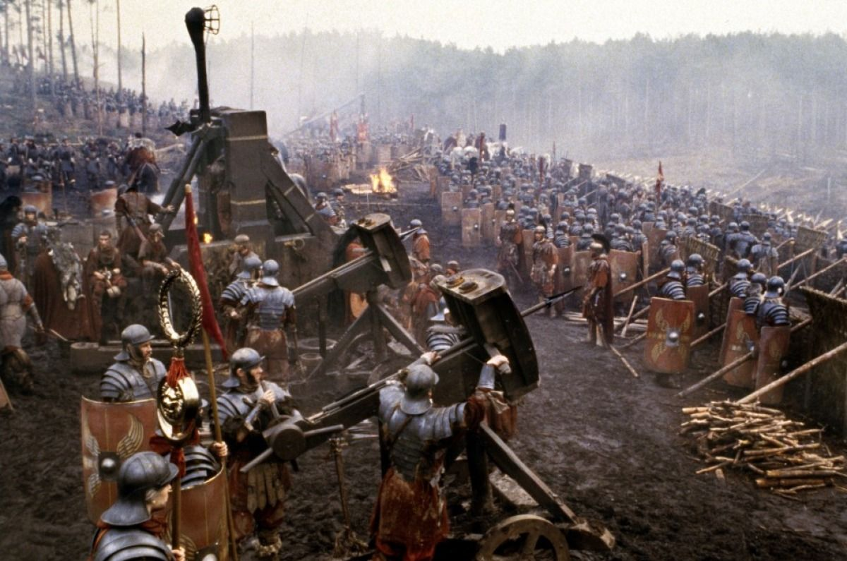 Roman Legion arrayed for battle against the Gallic ...