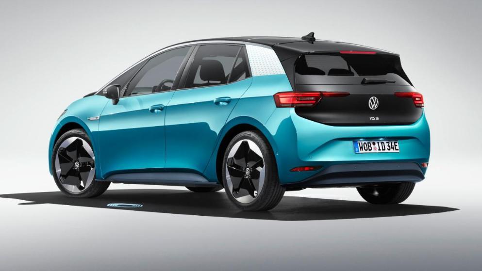 Vw Id 3 Auf Der Iaa Offizielle Bilder Des E Autos Aus Wolfsburg Auto News Bild De Volkswagen Elektroauto Auto Neuheiten