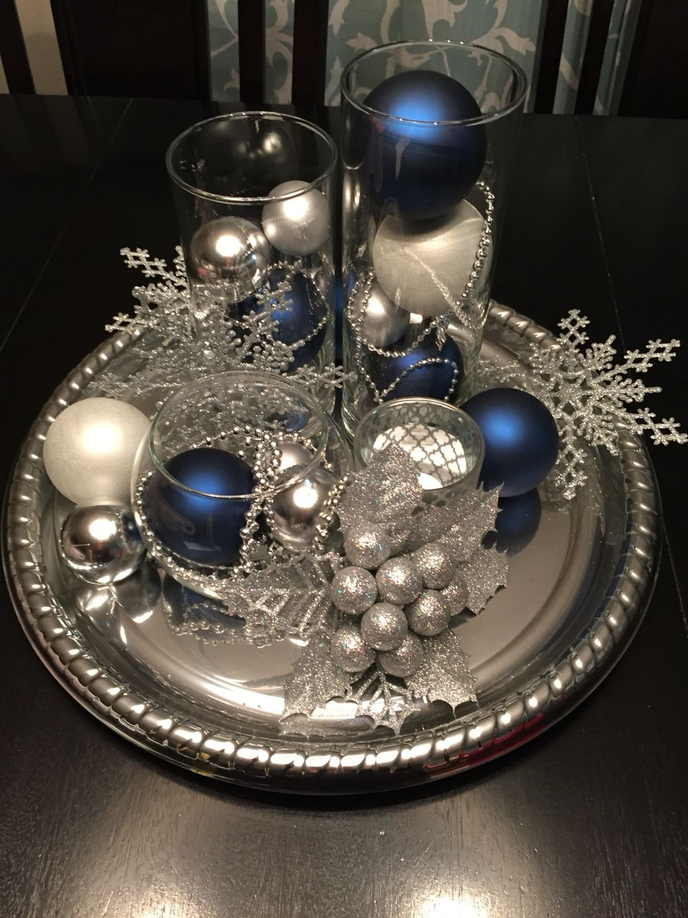 Best Christmas Decorations Centerpiece Blue Silver And White 400 x 300