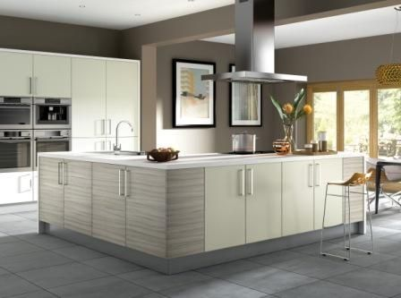 Elba Driftwood And Mussel Why Not Try Mix And Match On Your Kitchen Cabinets Kitchen Floor Plans Contemporary Kitchen Breakfast Bar Worktop