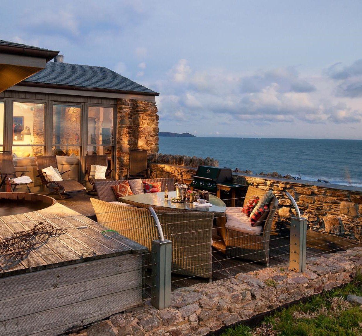 Pin By Carla Steele On Beach Home Inspiration Luxury Beach House Log Cabin Holidays Hot Tub Holidays