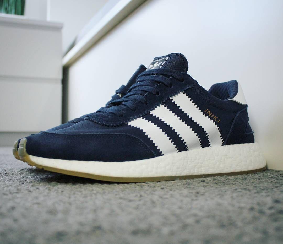 Go check out my Adidas Iniki Runner Boost en pies de enlace de canal de la Marina