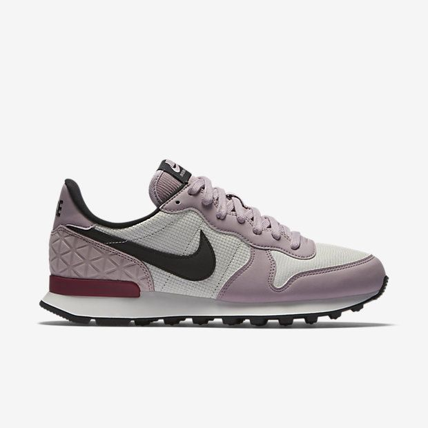 90 Products Engineered For Peak Performance In Competition Training And Life Shop The Latest Innovation Nike Internationalist Sneakers Nike Shoes For Sale