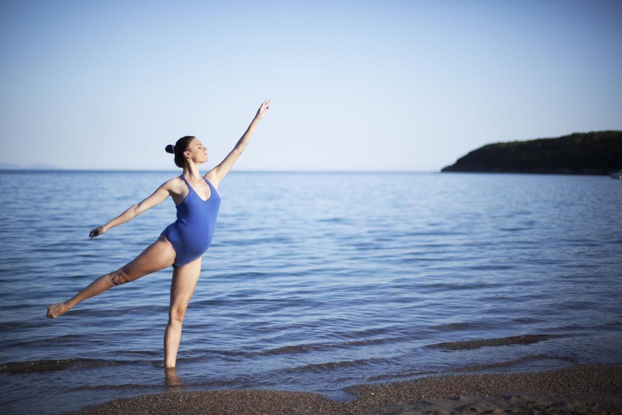 Grossesse: les maillots de bain une pièce sont tendance cet été!