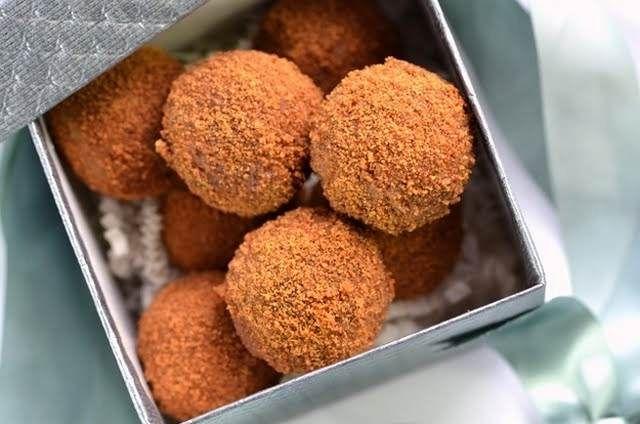 Cinnamon pecan truffles, no bake
