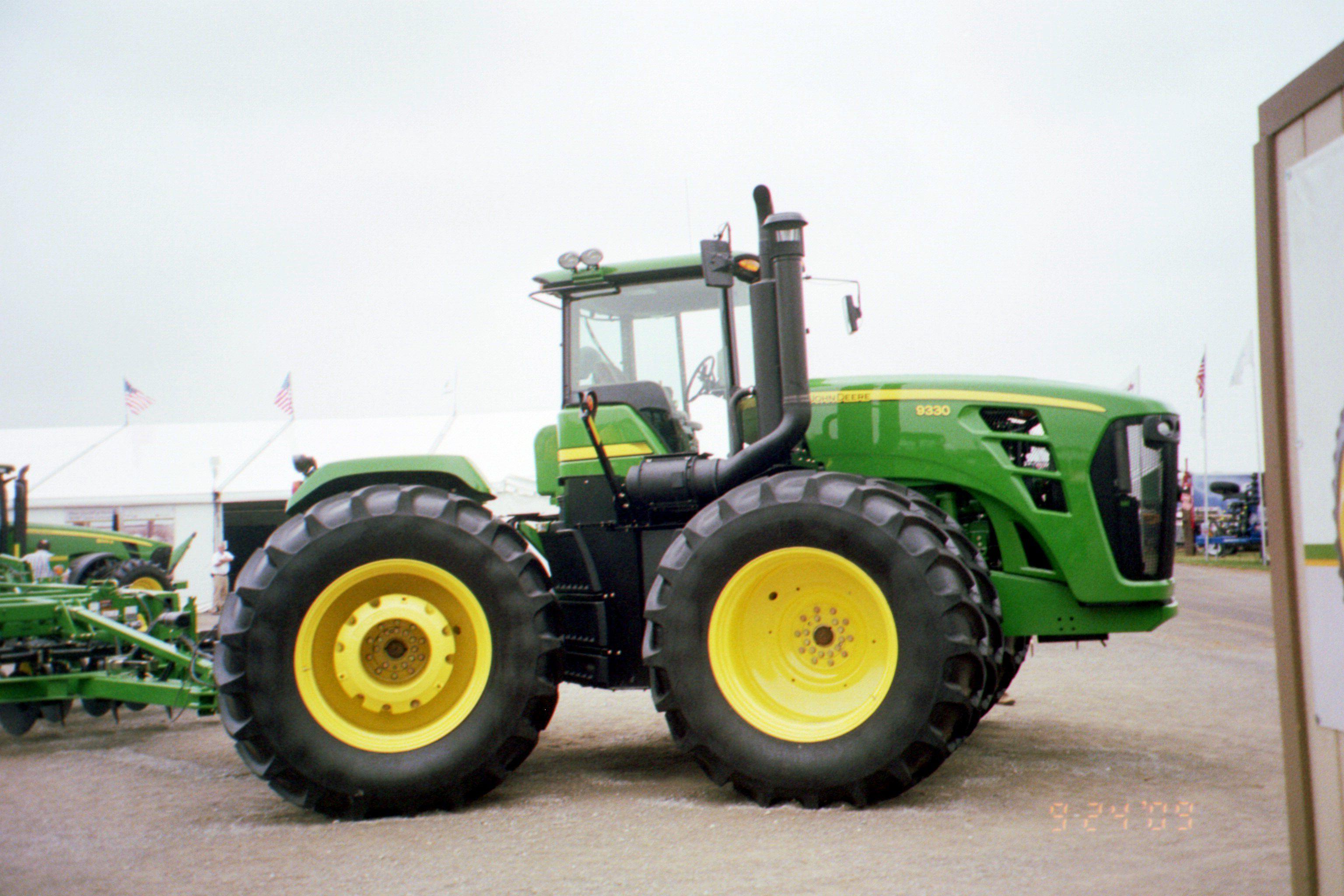 375hp John Deere 9330 at 2009 Farm Science Review