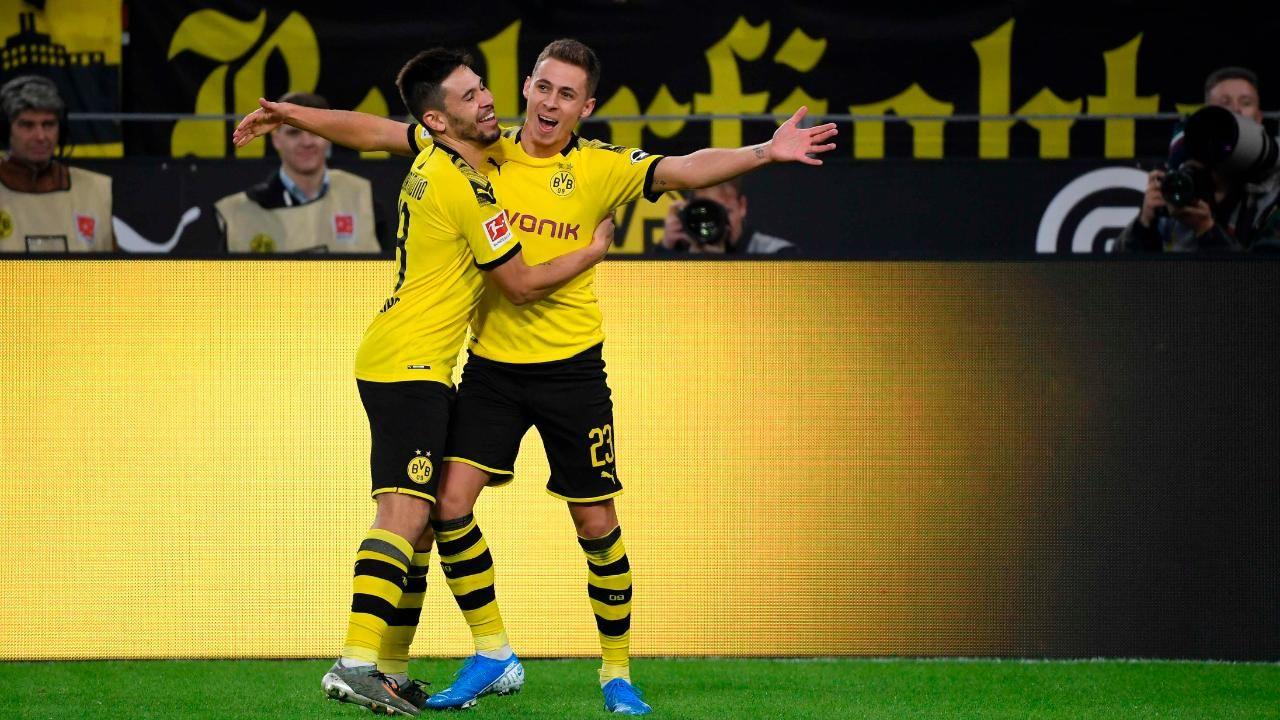 Bundesliga Dortmund Nach 3 0 Gegen Wolfsburg Zuruck Im Titelrennen Bvb Trainer Bundesliga Dortmund