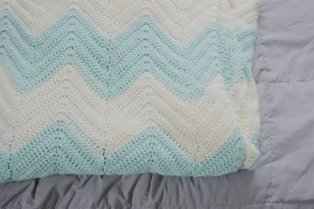 Easy to follow chevron crochet blanket pattern.. i know its not sewing b...