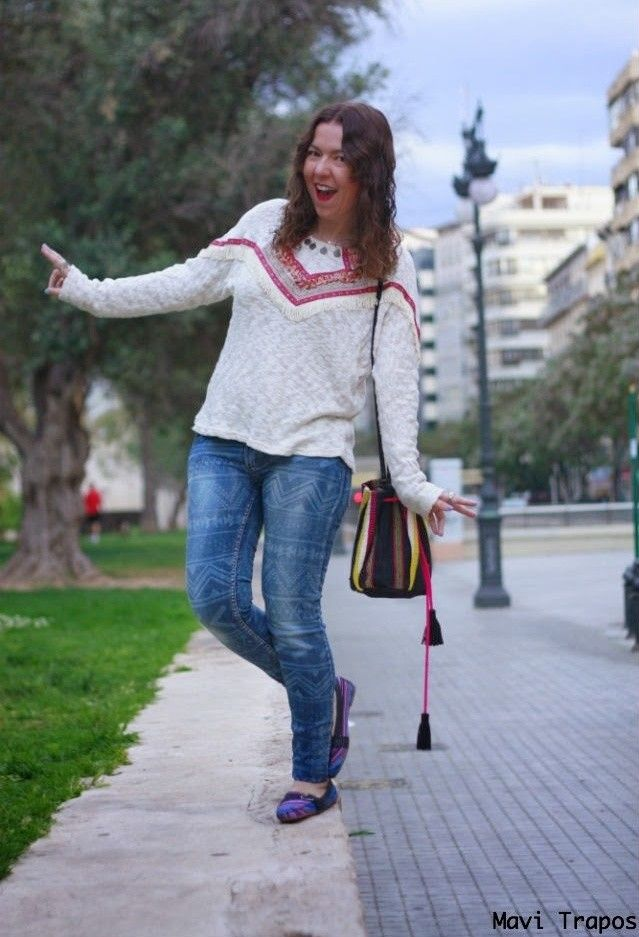 Blanco  Jerseys, Pull & Bear  Jeans and Zapatería fina  Zapato plano