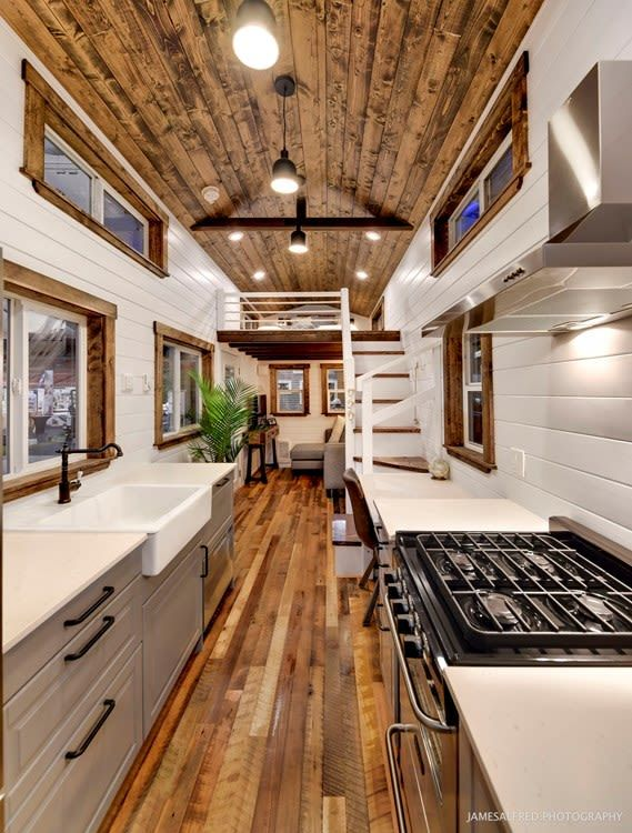 Photo of This Rustic but Modern Tiny Home Comes With All the Best Big-House Trimmings