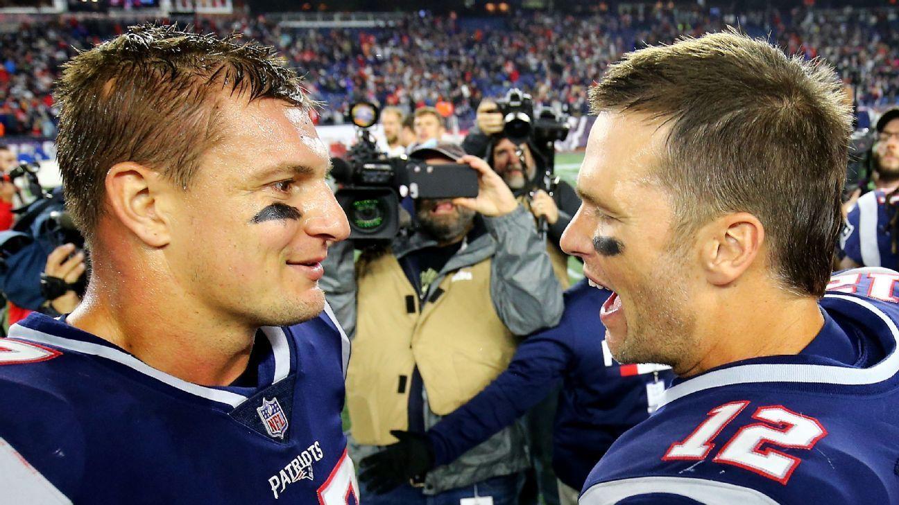 Tom Brady Lures Rob Gronkowski Showing Bucs All In To Win Hometown Super Bowl In 2020 Rob Gronkowski Gronkowski Tom Brady